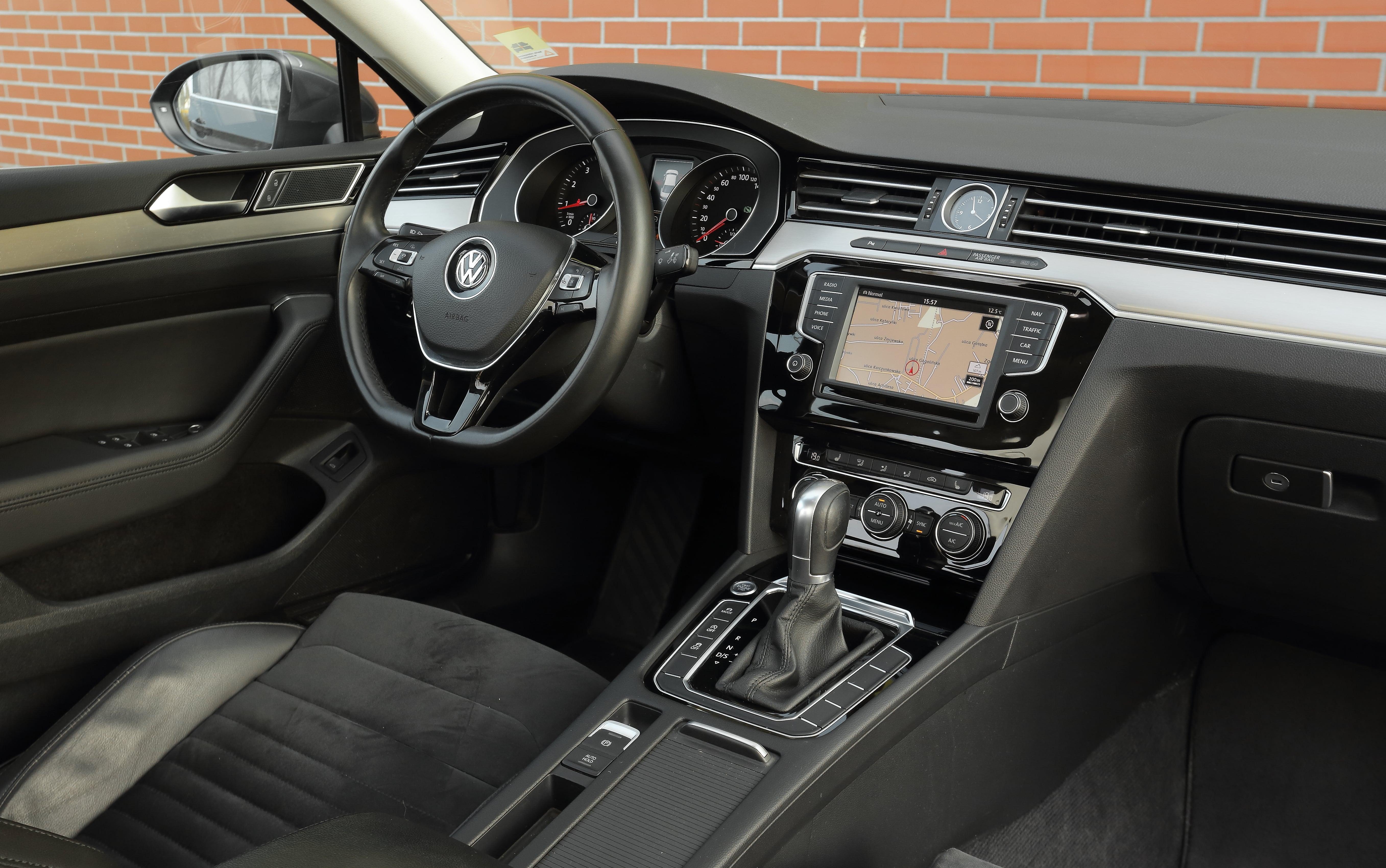 Volkswagen Passat (B8) 1.8 TSI deska rozdzielcza