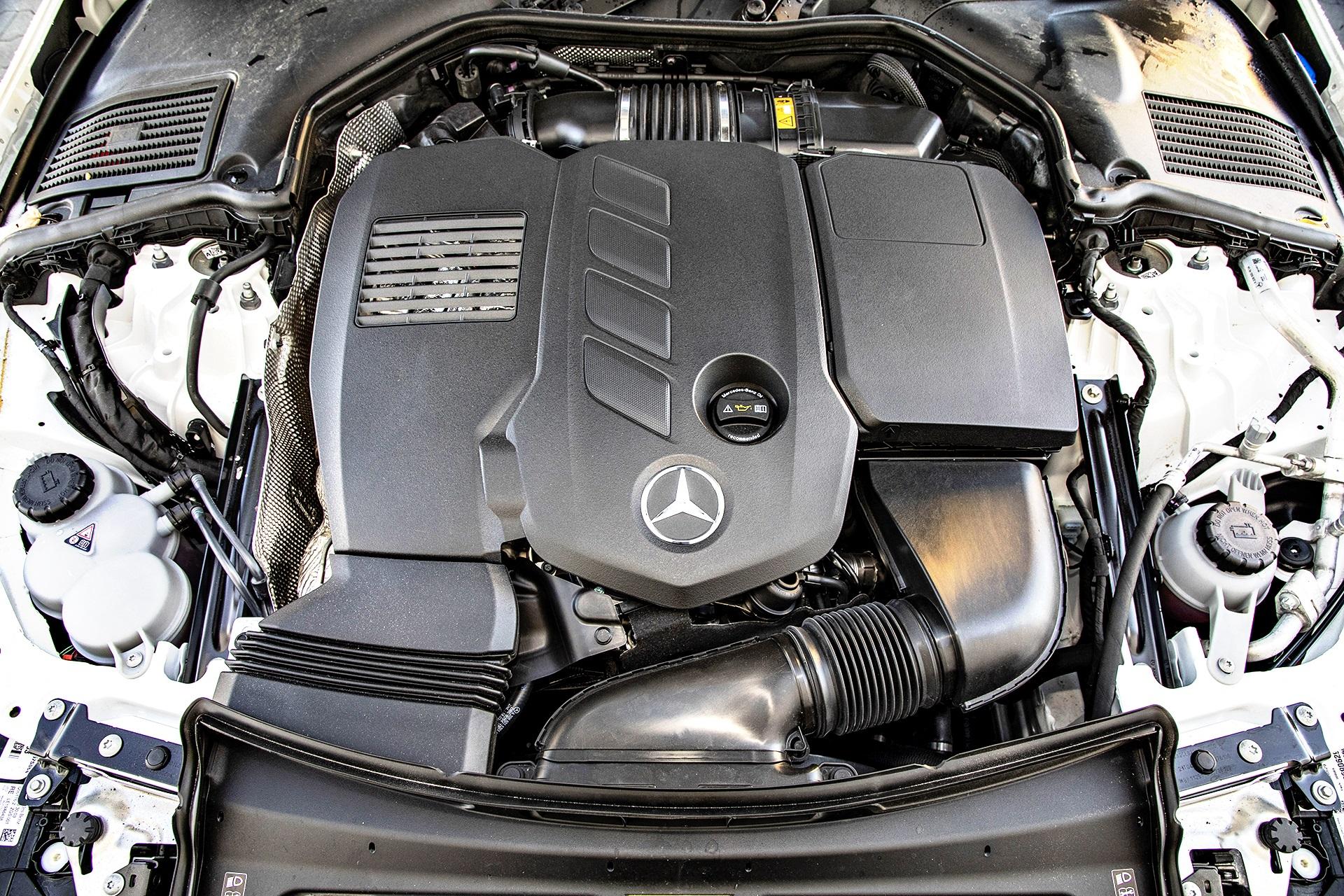 2021 Mercedes C220d - silnik