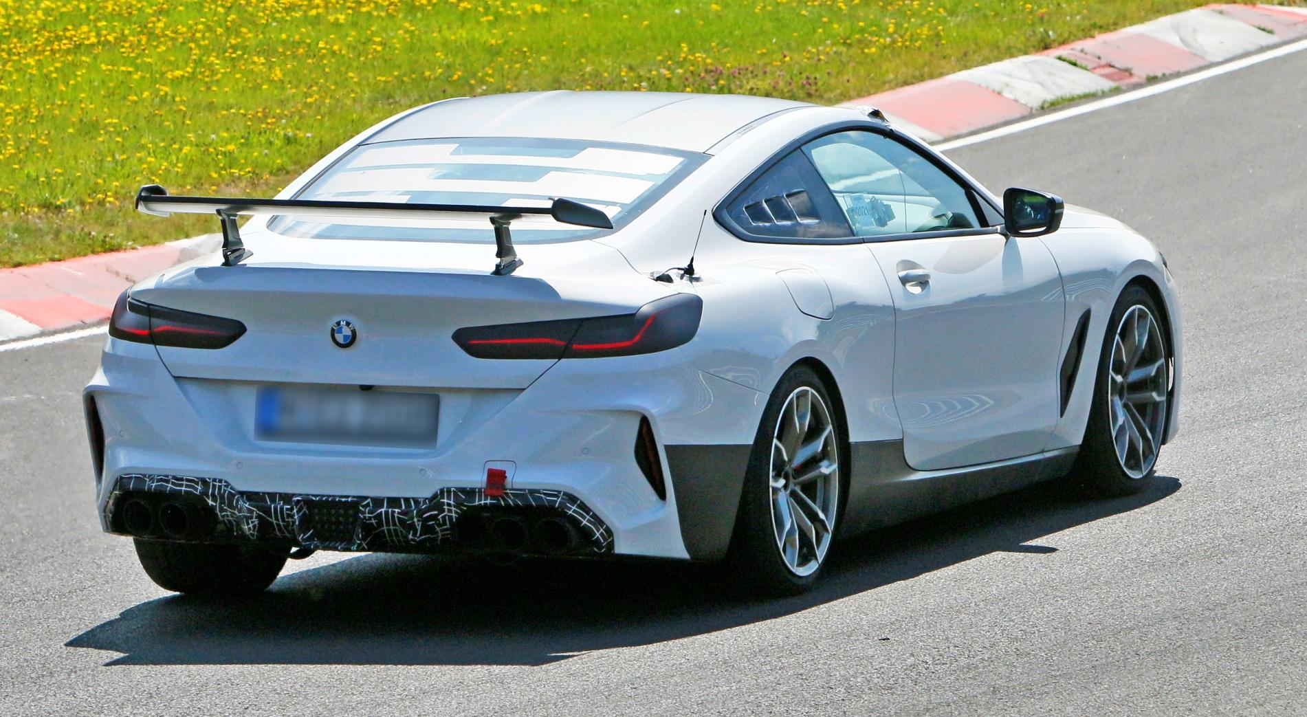 BMW M8 CSL tył