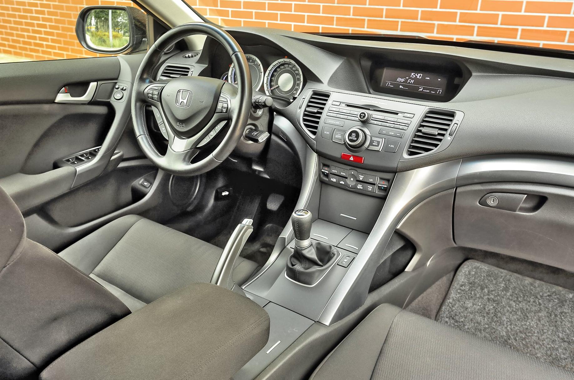 Honda Accord VIII 2.0 Tourer deska rozdzielcza