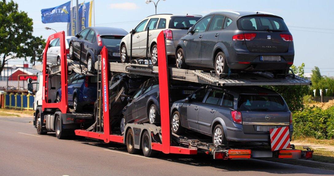 samochody na lawecie