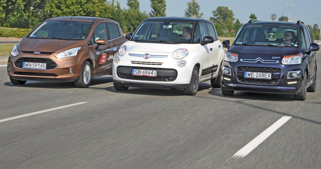 Od lewej Ford B-Max, Fiat 500 L, Citroen C3 Picasso jadące
