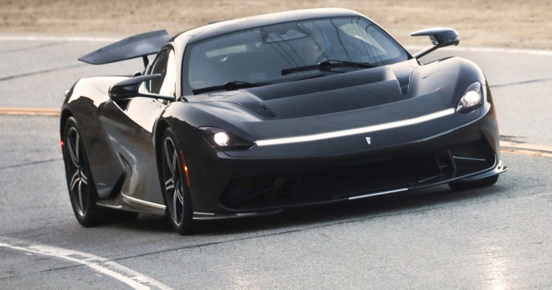 Automobili Pininfarina Battista – na torze, przód