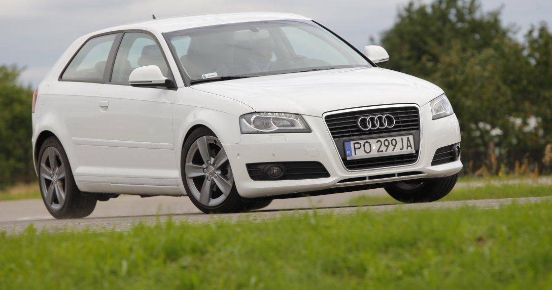 Jadące Audi A3 II