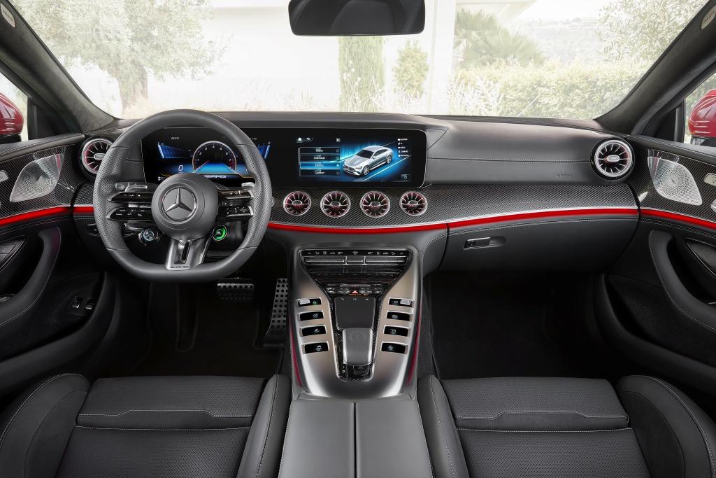 Mercedes-AMG GT 63 S E Performance - deska rozdzielcza, wnętrze