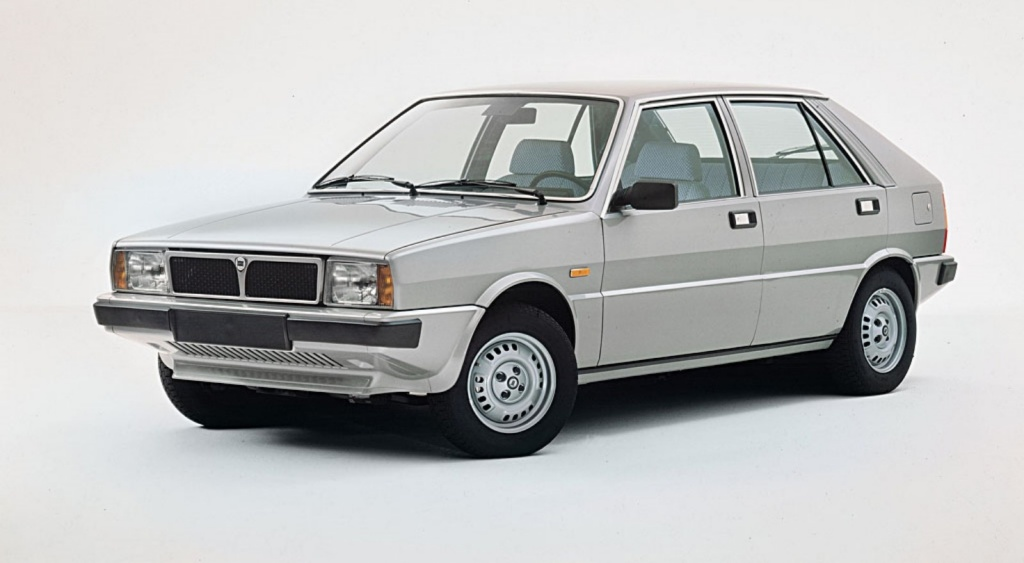 Lancia Delta I- przód