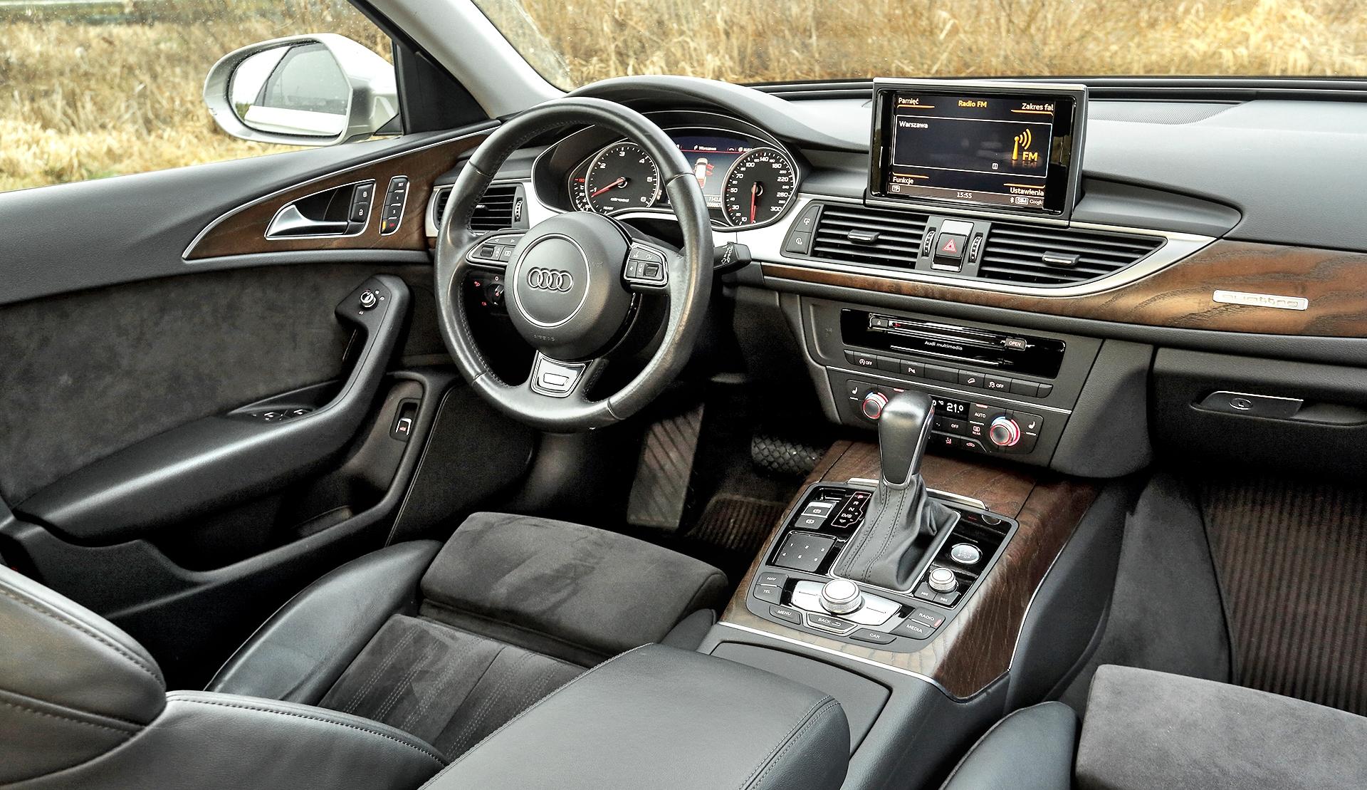 Audi A6 (C7) Allroad 3.0 TDI deska rozdzielcza