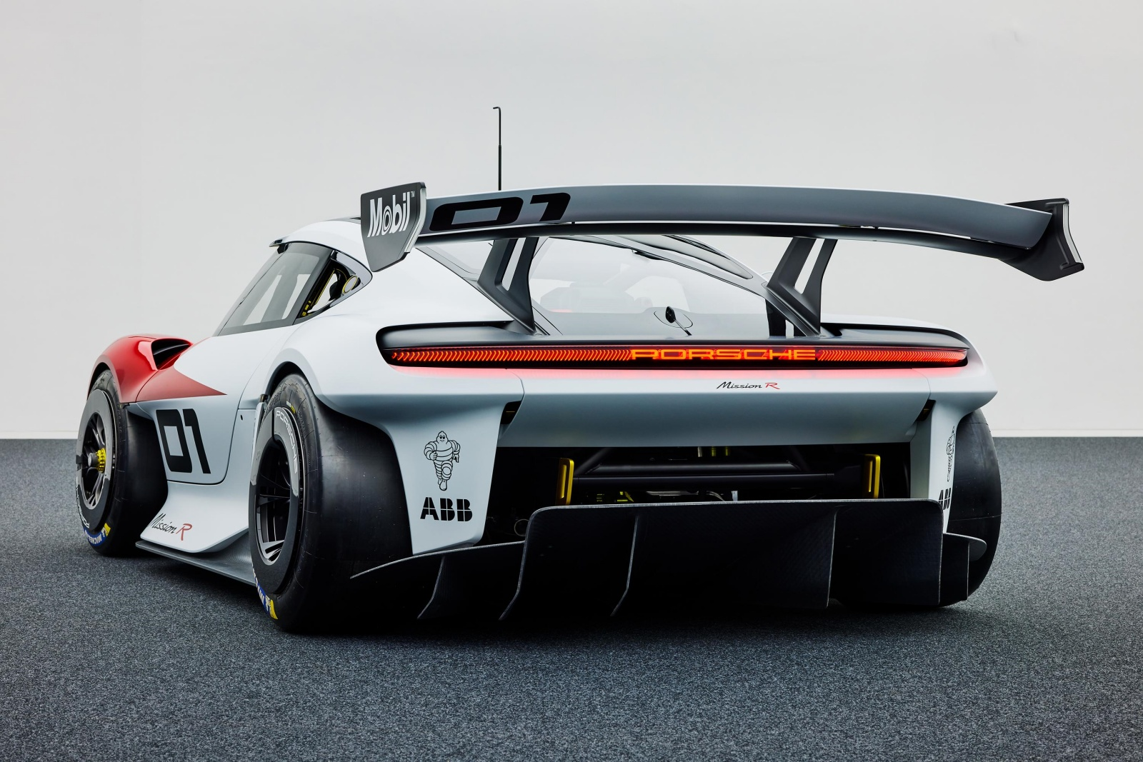 Porsche Mission R - tył