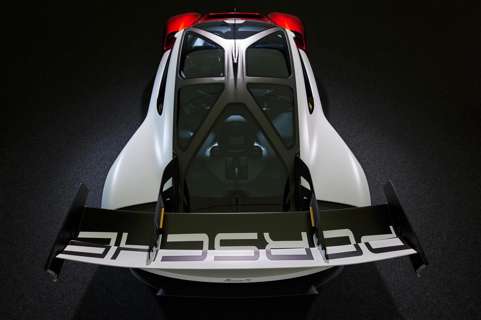 Porsche Mission R - tylny spoiler