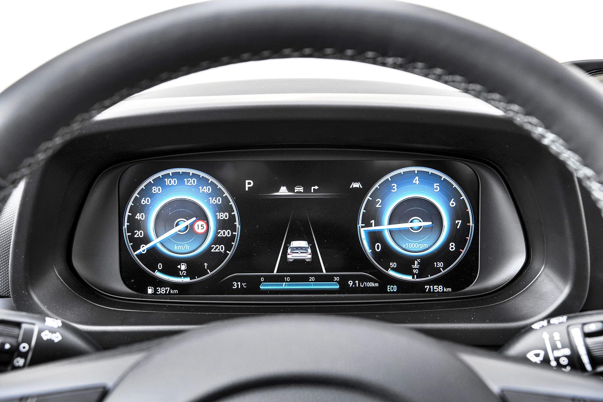 2021 Hyundai Bayon - cyfrowe zegary
