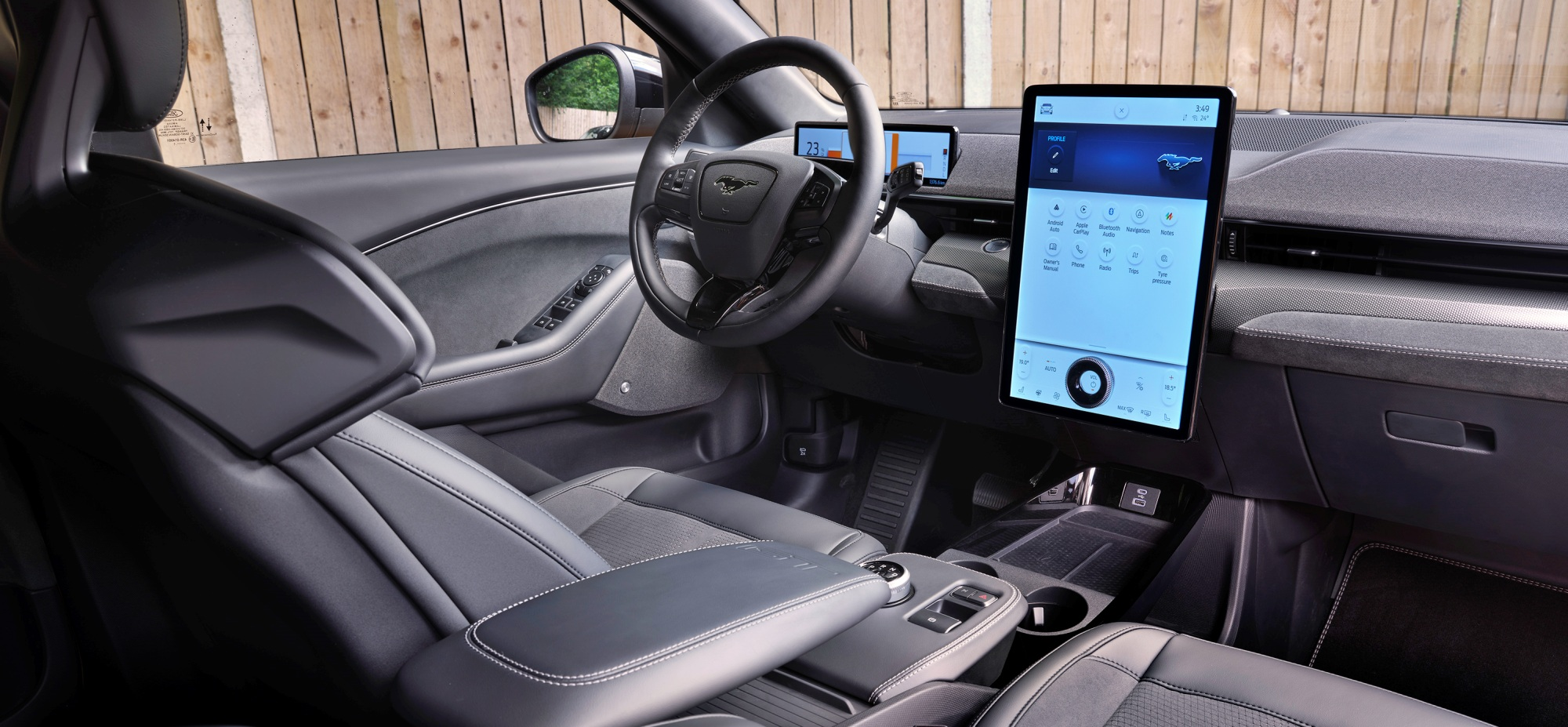 Ford Mustang Mach-E GT deska