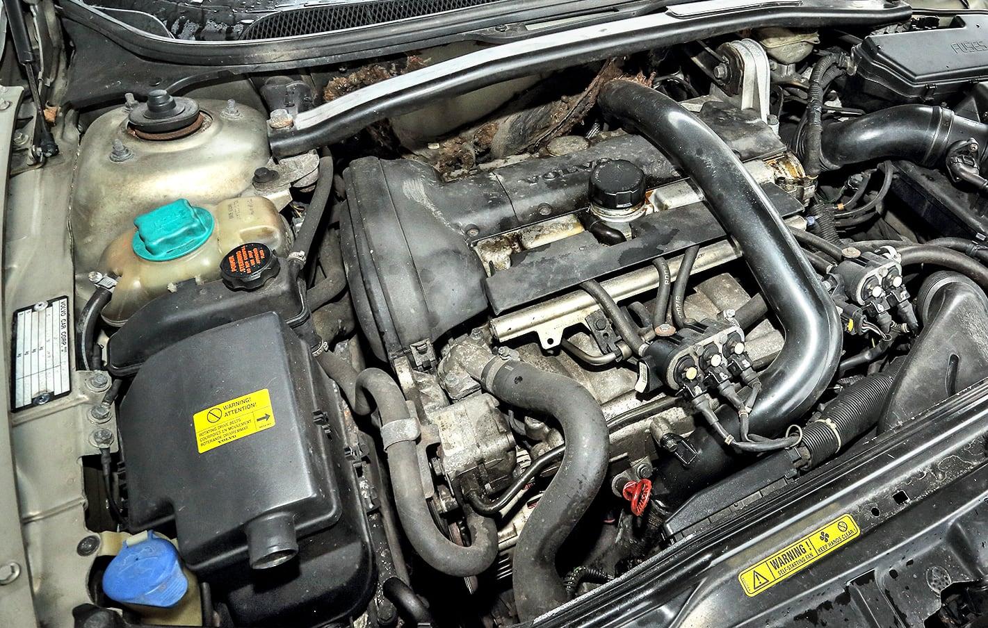 Volvo V70 II T5 silnik