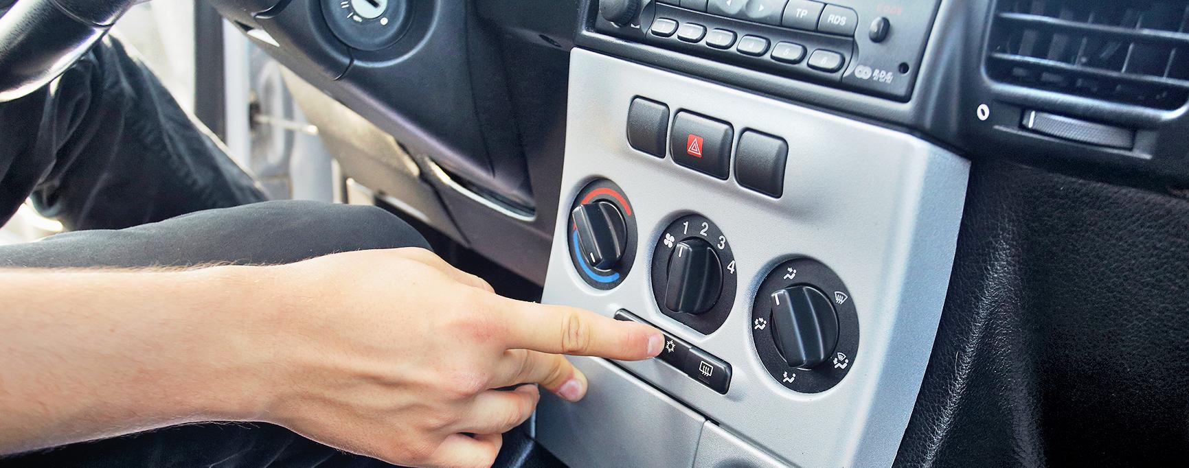 Palec nawłączniku klimatyzacji