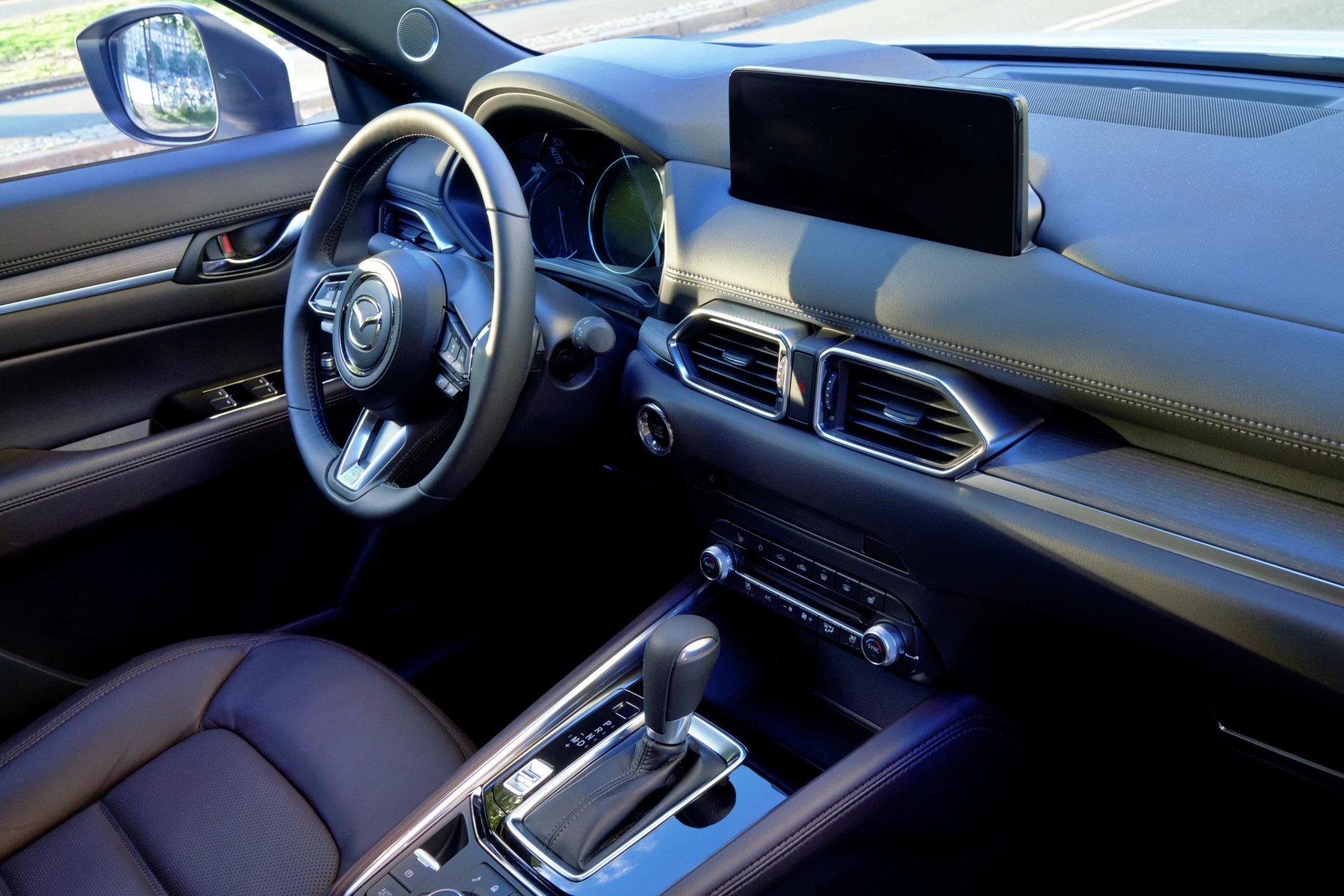 Mazda CX-5 wnętrze