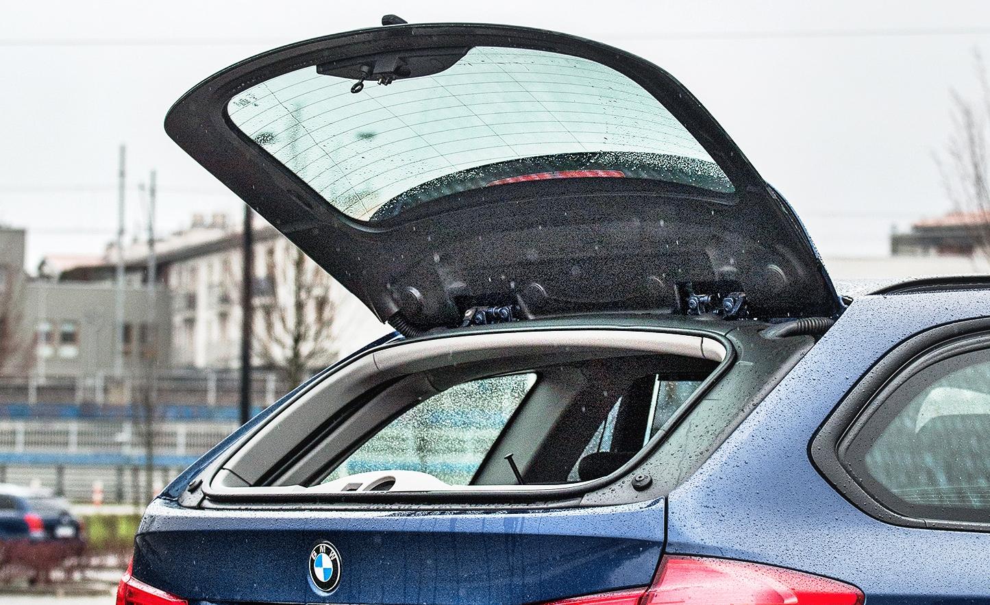 BMW 320d xDrive F31 uchylna szyba wklapie bagażnika