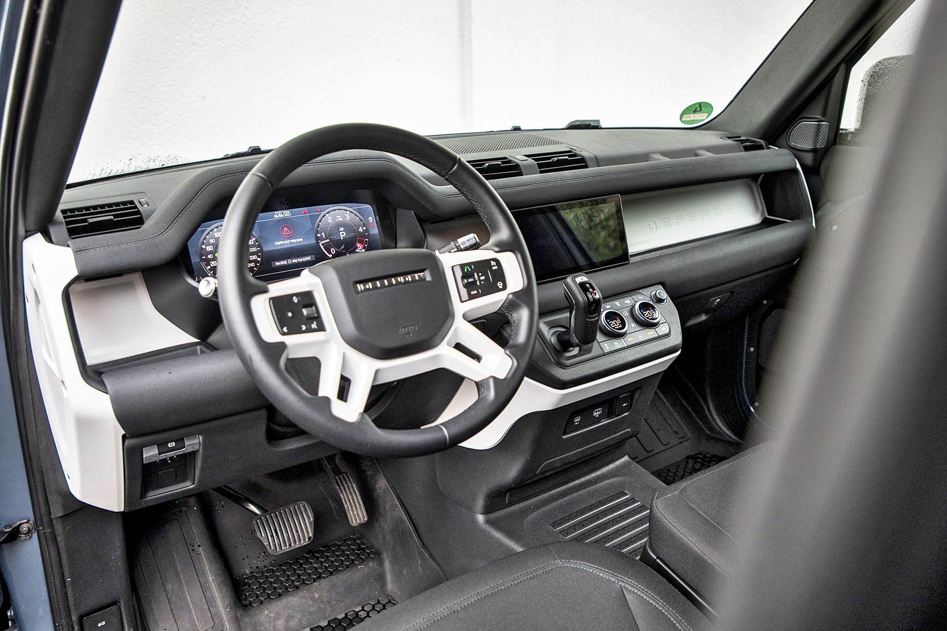 Land Rover Defender 90 D200 Hard Top - kokpit