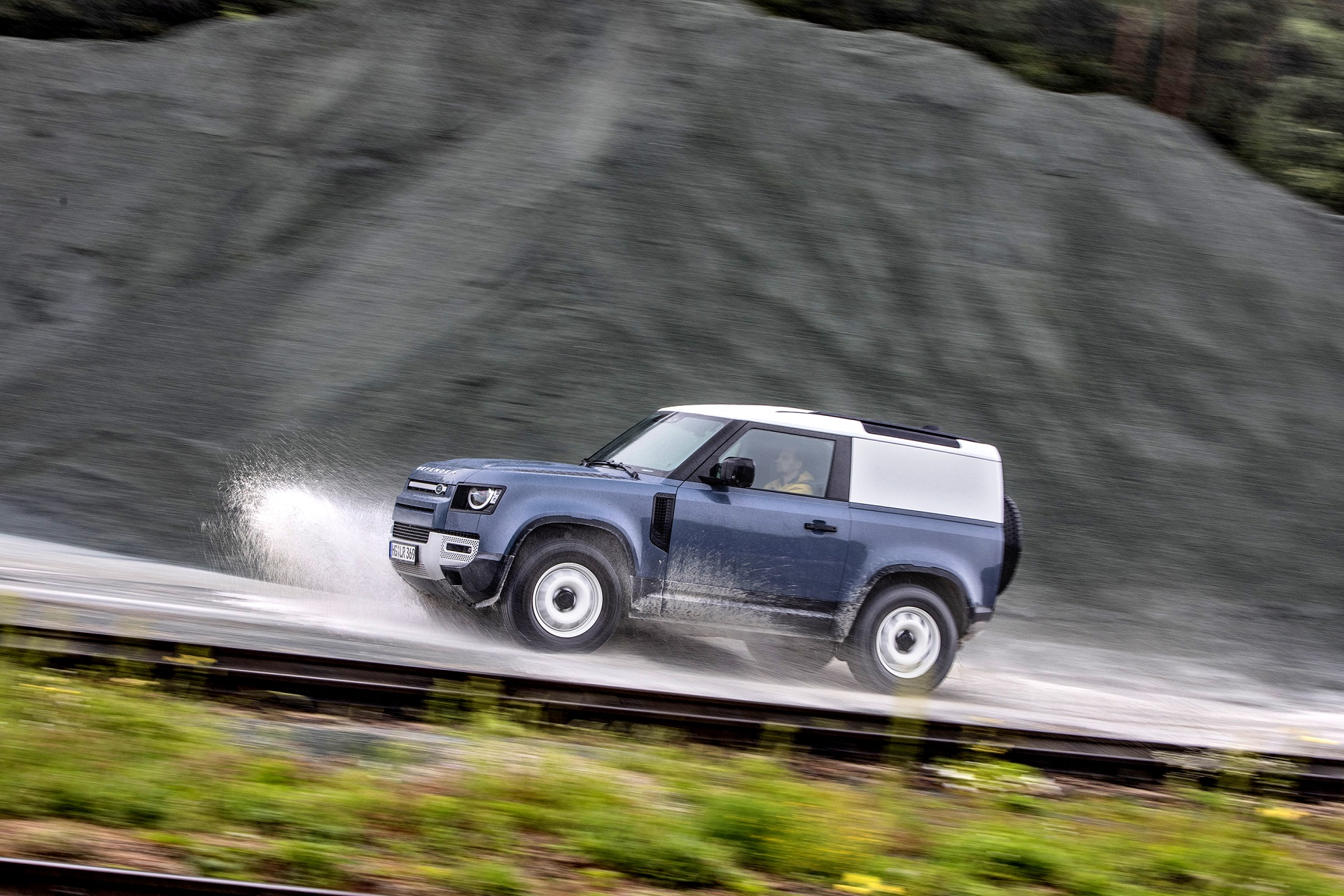 Land Rover Defender 90 D200 Hard Top (13)