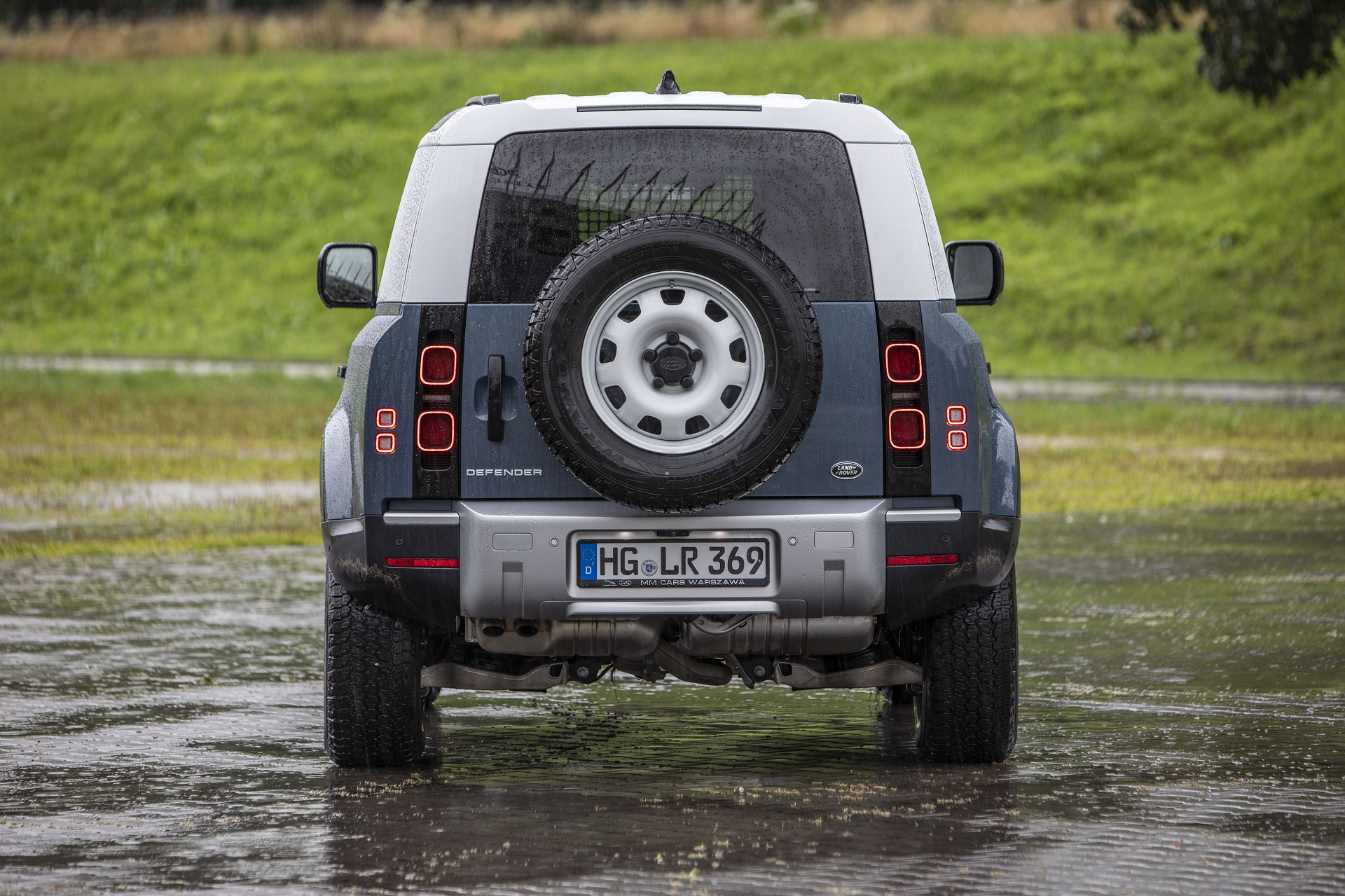 Land Rover Defender 90 D200 Hard Top - tył