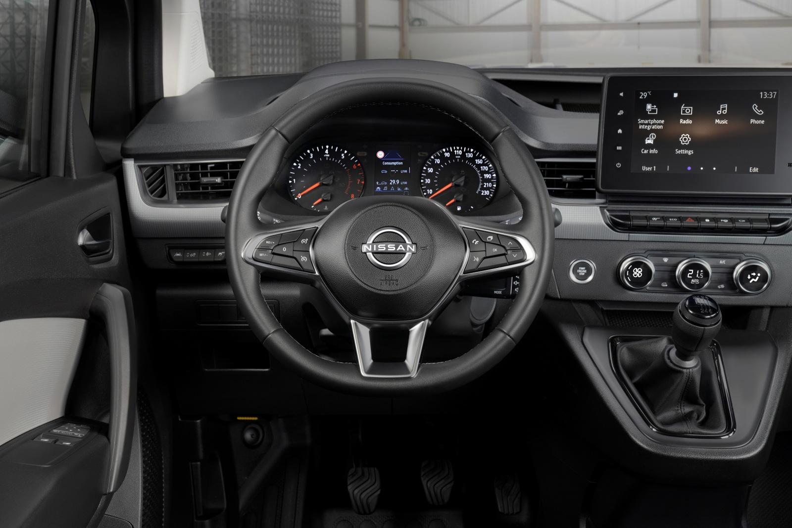 Nissan Townstar - tablica rozdzielcza, wnętrze