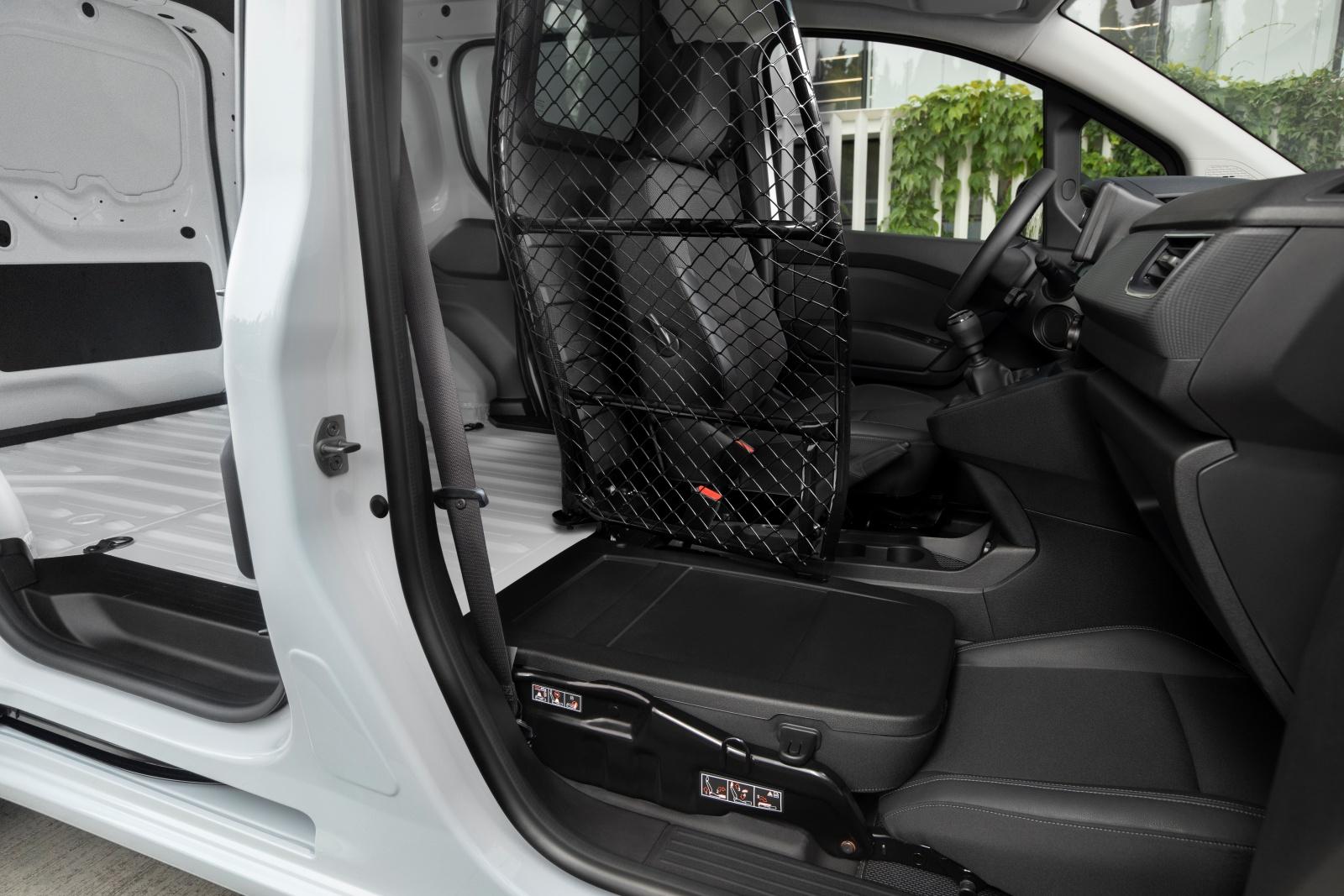 Nissan Townstar - wnętrze, przestrzeń ładunkowa