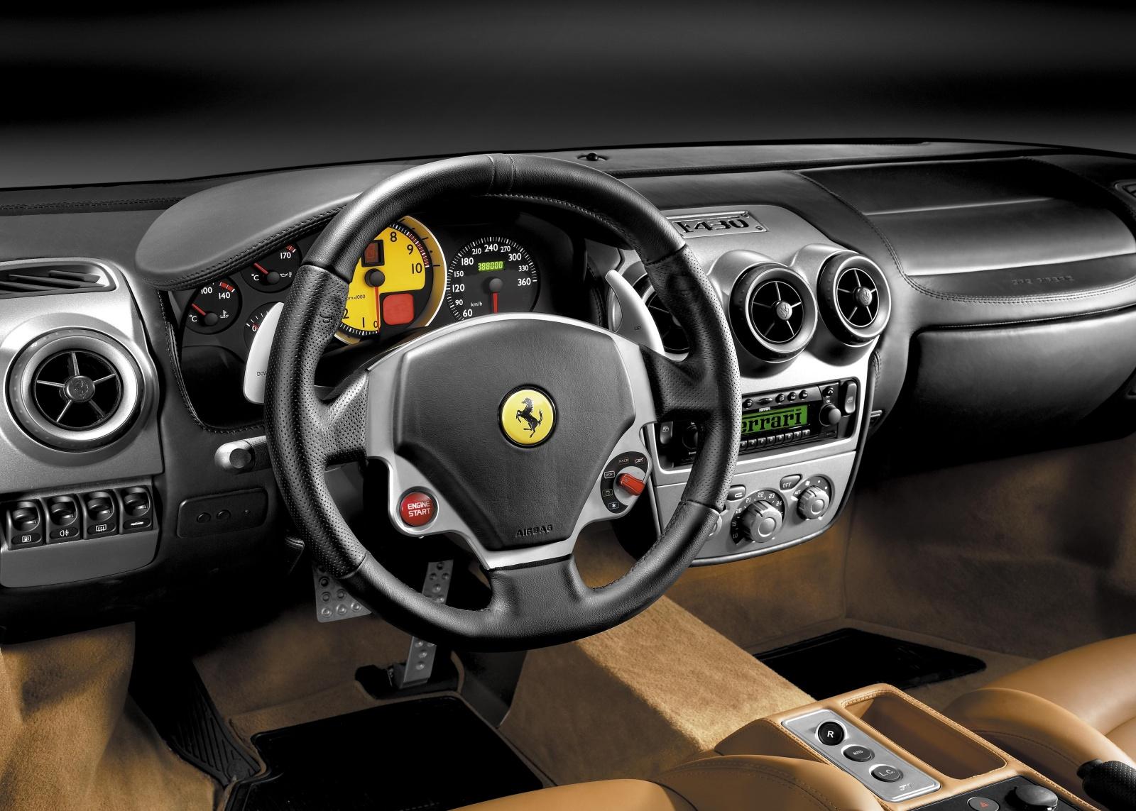 Ferrari F430 - tablica rozdzielcza, wnętrze
