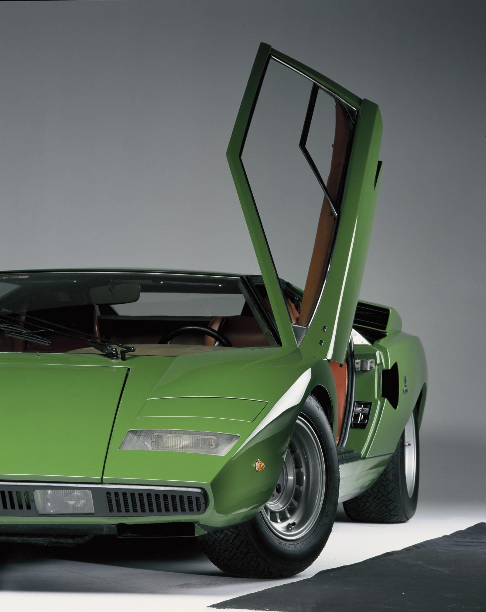Lamborghini Countach LP 400 - przód, drzwi