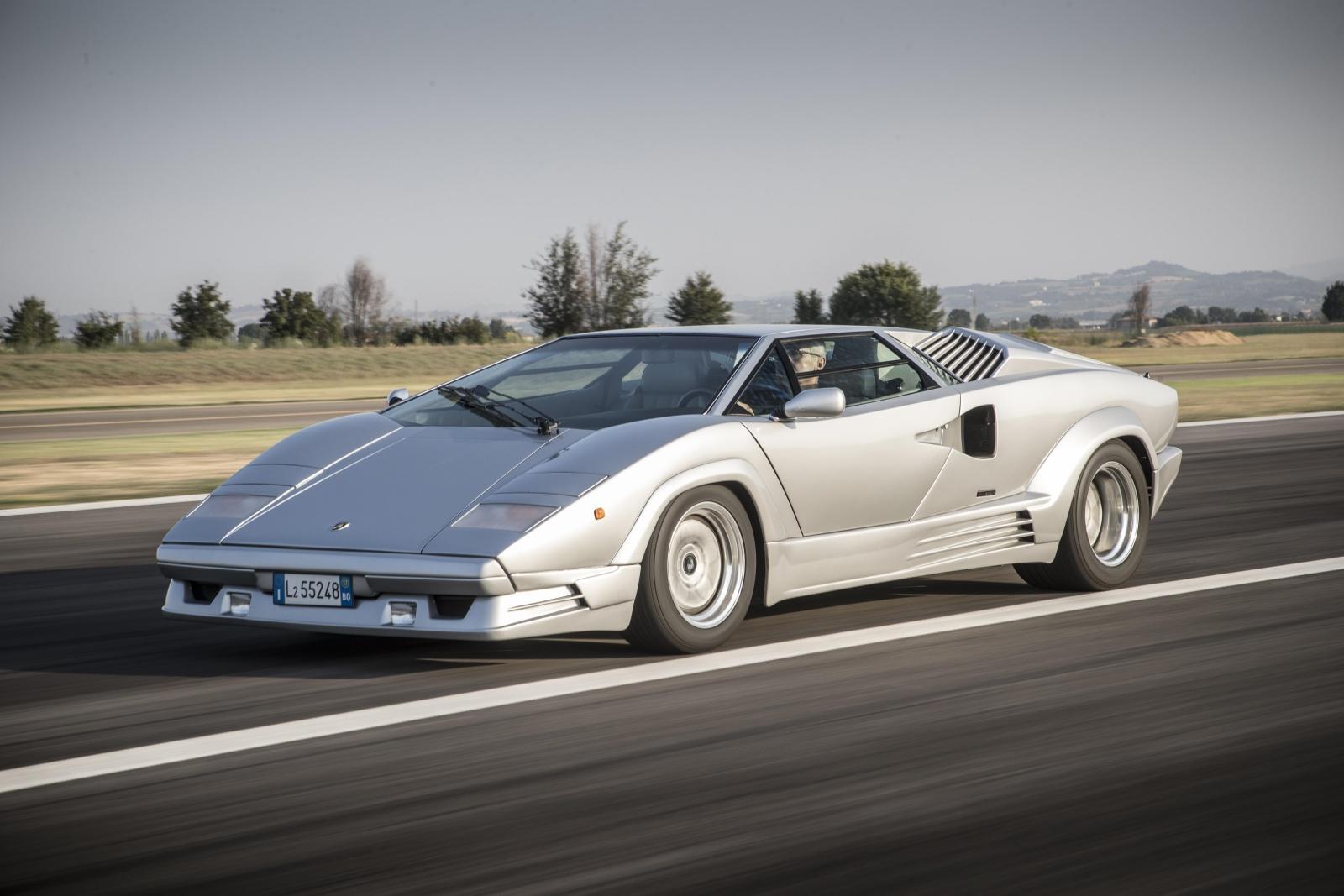 Lamborghini Countach Anniversario - przód