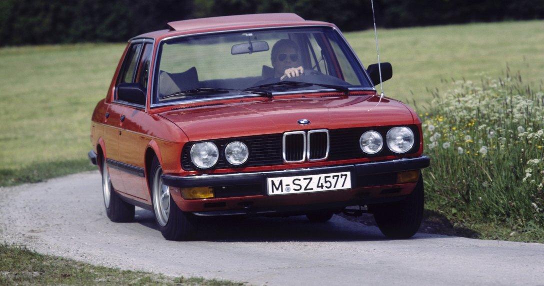 BMW serii 5 E28 - przód