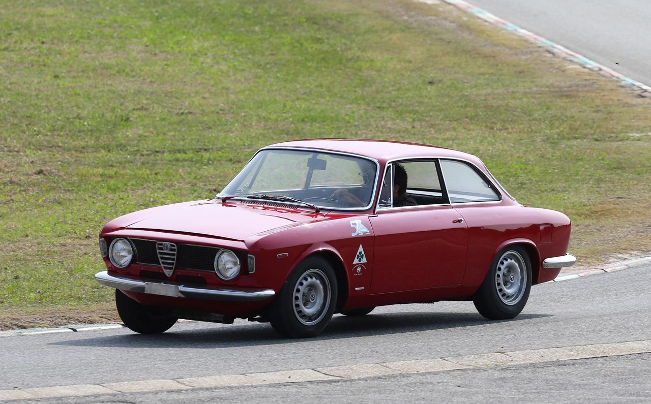 Alfa Romeo Giulia GTA 1965 r. - przód
