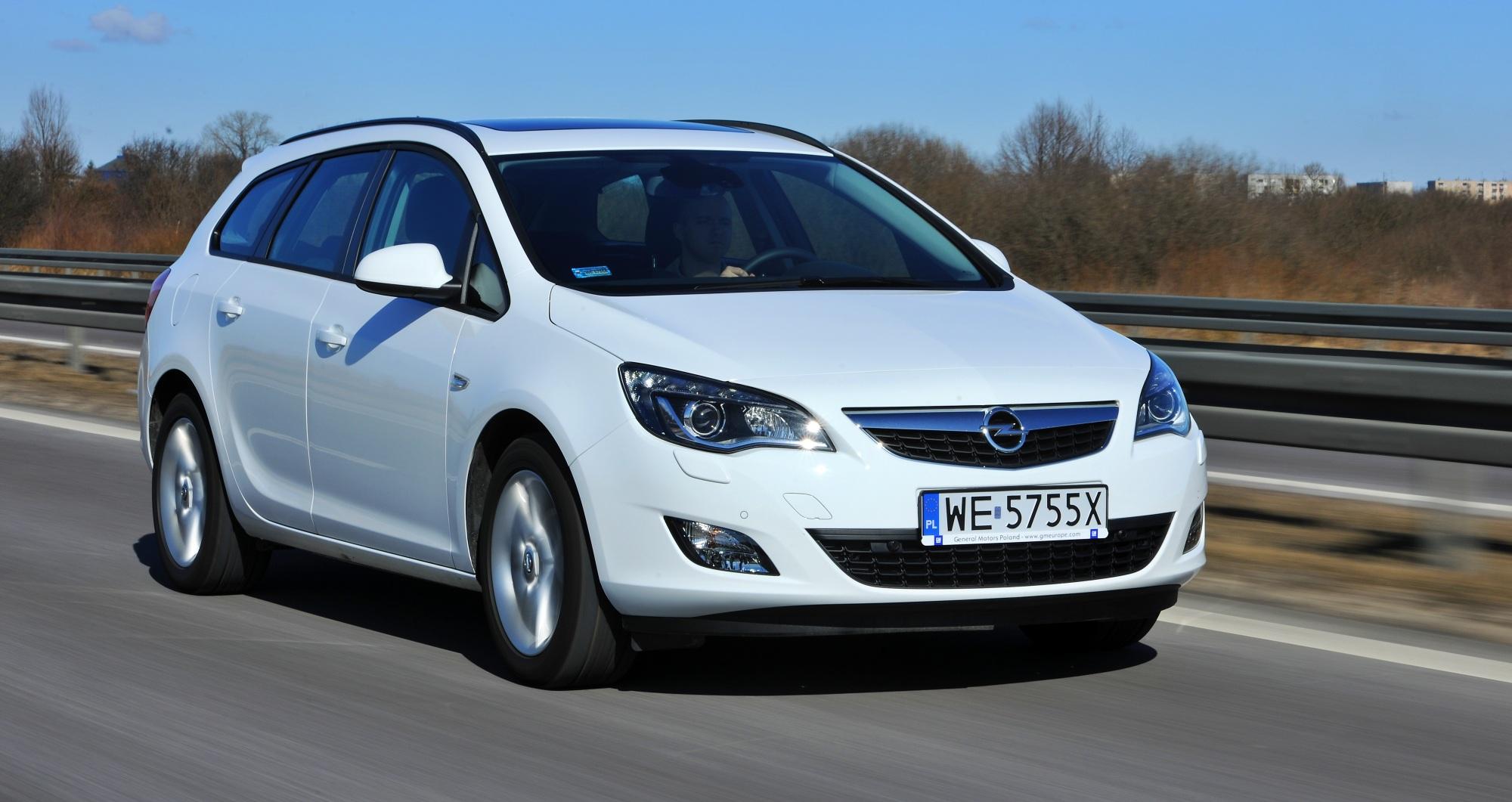 Opel Astra przód