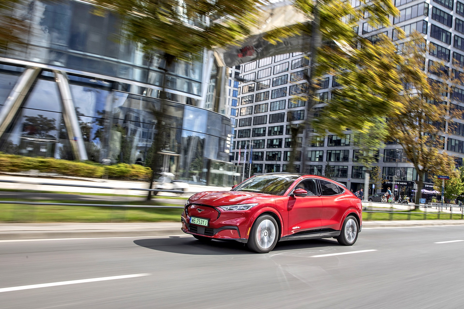 Ford Mustang Mach-E - bok
