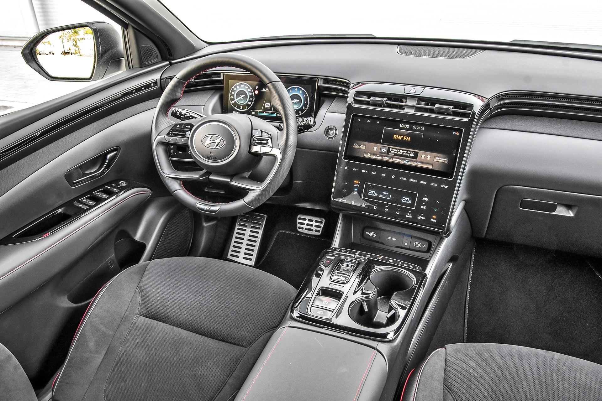 Hyundai Tucson 1.6 T-GDI 7DCT 4WD N Line - kokpit