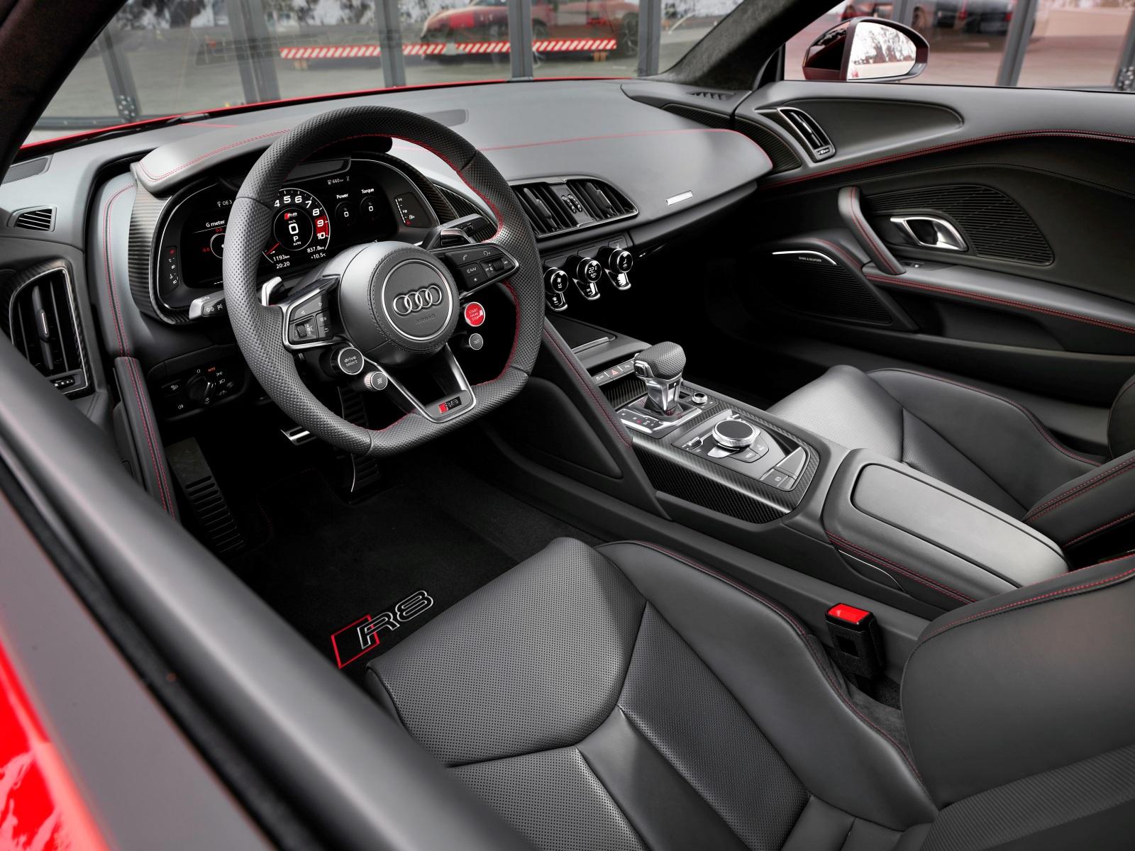 Audi R8 wnętrze
