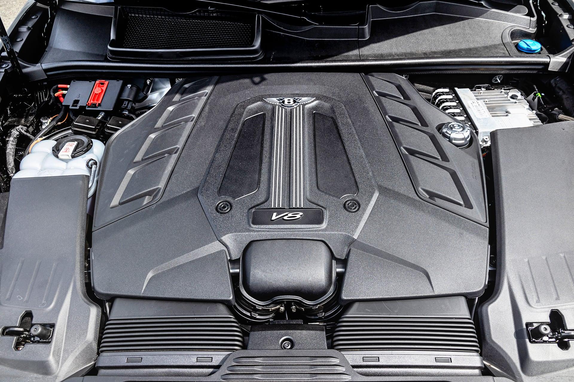 Bentley_Bentayga_V8_silnik