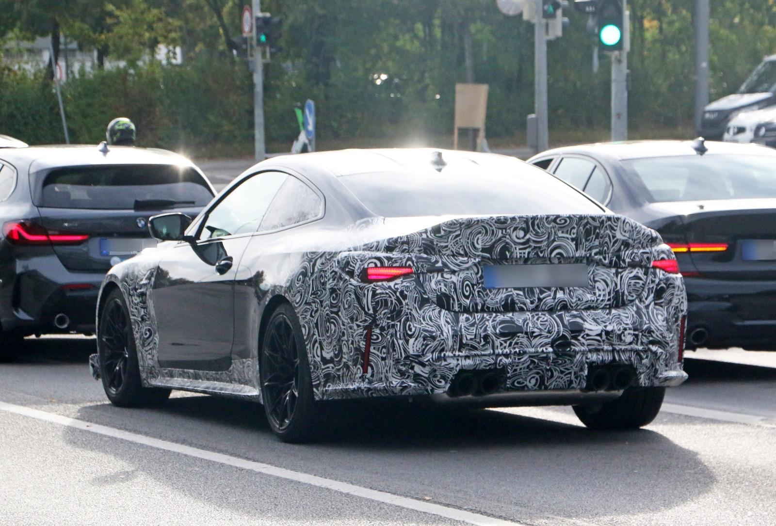 BMW M4 CSL - tył