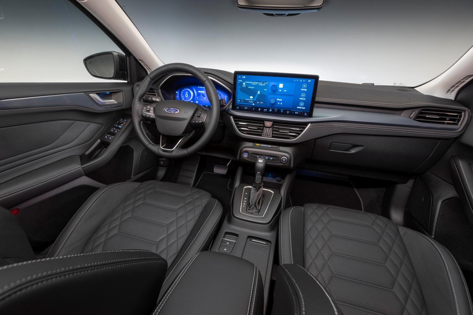 Ford Focus Active - deska rozdzielcza, wnętrze, siedzenia